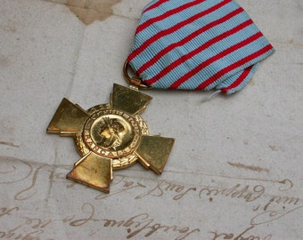 French vintage  gold medal military medals antique military bronze cross WWII war sword  vintage medal in original jewelry charm