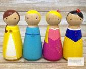 Classic Princesses Peg Doll Set