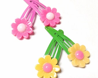 Flower snap clips, pink flower snap clips, green and yellow flower snap clips