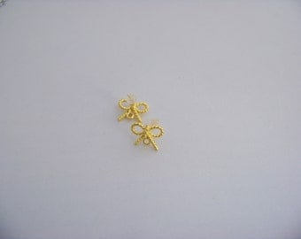 Gold tone Rope Bow post earrings with loop/3468