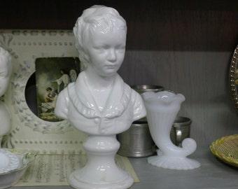 Child boy bust in white ceramic (Italy)