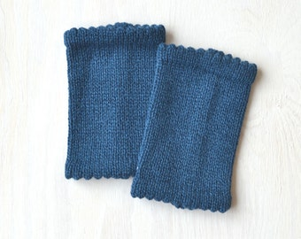 fingerless knit gloves, handmade, soft Merino wool and 30 % Angora, pulse warmers, blue, royal blue, nice edge
