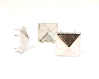 Silver, 13mm multi-pronged garment pyramid studs bag of 100