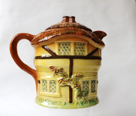 Alte englische Kaffeekanne Cottage Ware von CuriosAnCollectibles