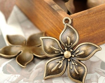 DIY  jewelry 25pcs  antique bronze flower charm pendant 32x30mm
