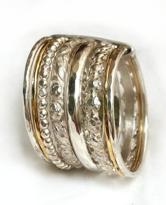 gorgeous wedding band silver and gold 8 rings joined by