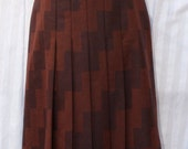25% Summer Sale Now On 1970s Geometric Wool Pleat Skirt