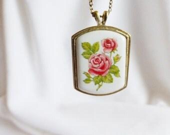Avon Rose Pendant