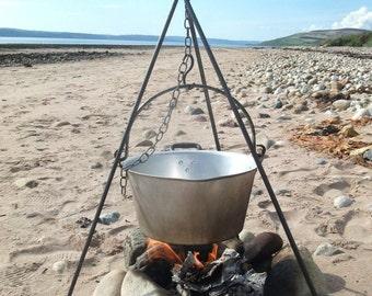 Short, light, camping cooking tripod, uk, beach, scouts, campfire