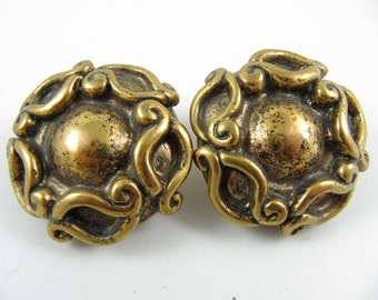 "Vintage 80' Large 1.5"" Across Chunky Gold-Plated Clip-on Earrings"