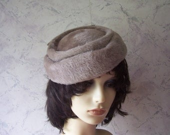 Early Authentic Vintage Wool/Angora Bow Hat