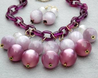Lucite Vintage Beads on Vintage Purple Plastic Chain Necklace & Earrings