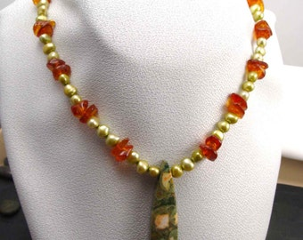 AMBER RAIN Forrest  JAPER And Fresh Water Pearl  Necklace