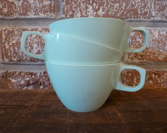 1950s Mallo-Ware melamine mugs- set of 3
