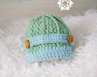 Newsboy cap in pale green and light blue