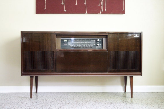 Vintage Grundig Majestic Steteo Console Mid By