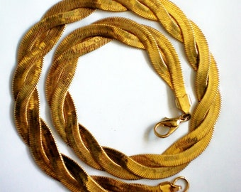 Avon Braided Faux Gold Necklace - 3975