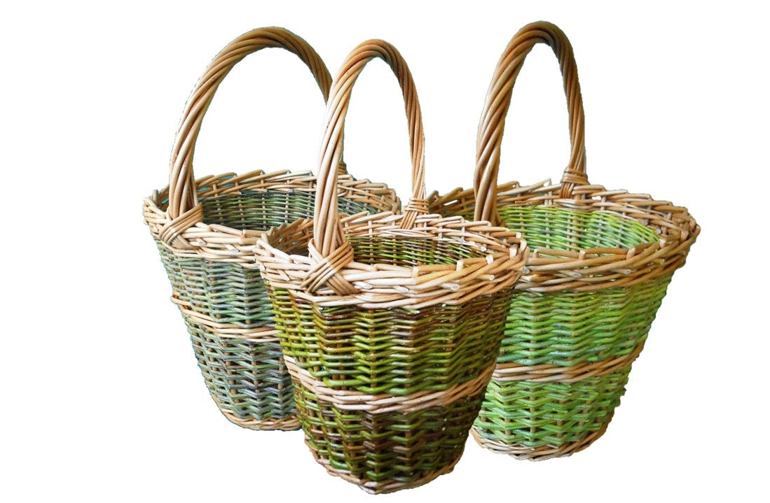 Basket Weaving Name : Make a willow berry picker weaving kit for beginners