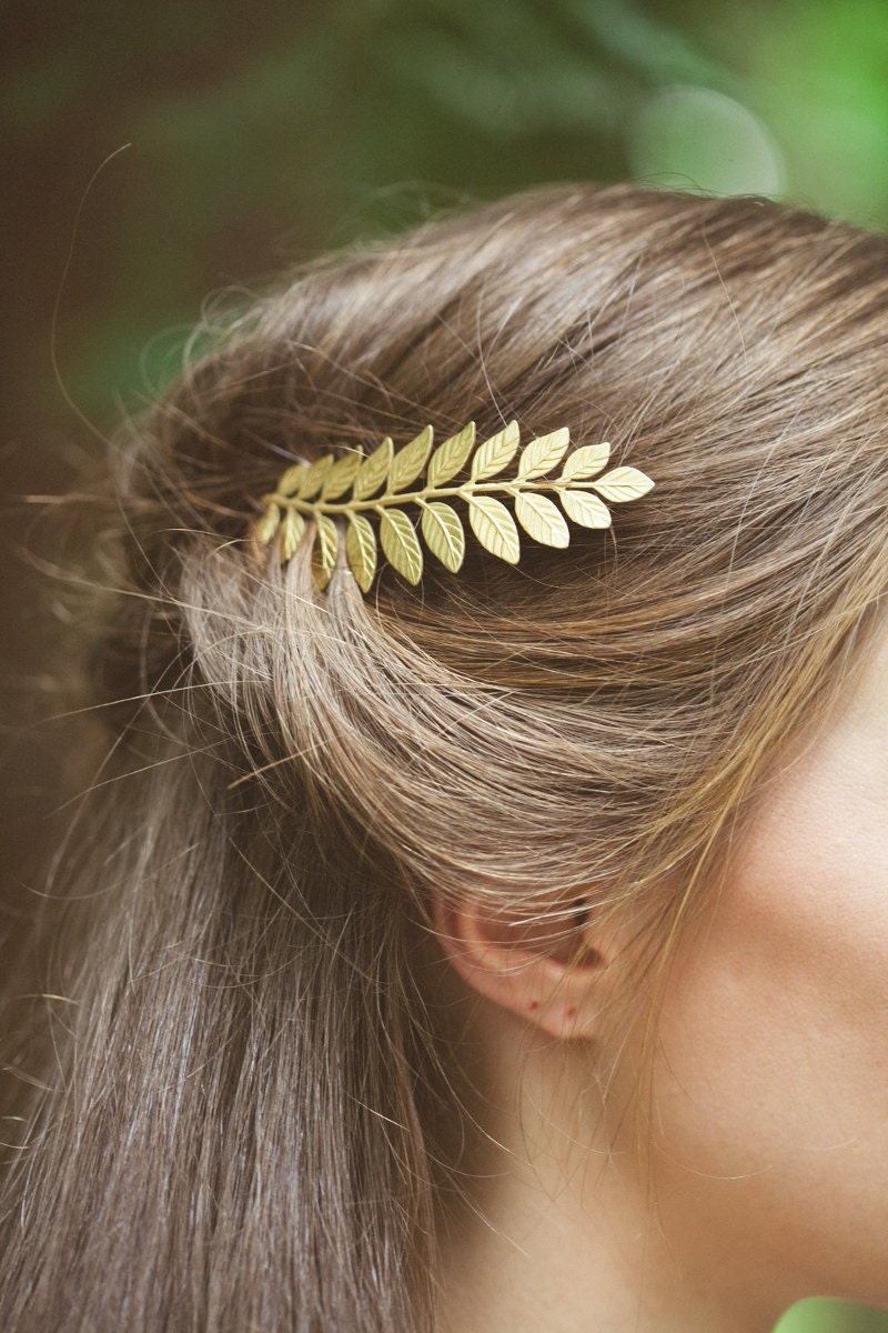 Gold Hair Accessories; Rose Gold Hair Accessories Register online now for immediate access to your wholesale prices and shop Mariell's breathtaking bridal jewelry, hair accessories, wedding veils and more. satin gloves, bridal garters, wedding dress sashes, evening bags, shoe clips, shawls and faux fur wraps. We have over 12, wedding.