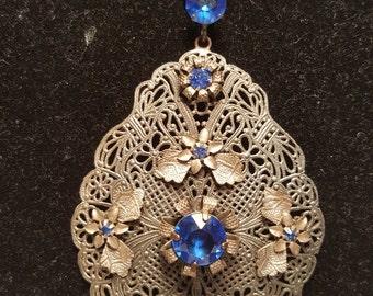 FREE  SHIPPING    1930  Filigree Stone Necklace