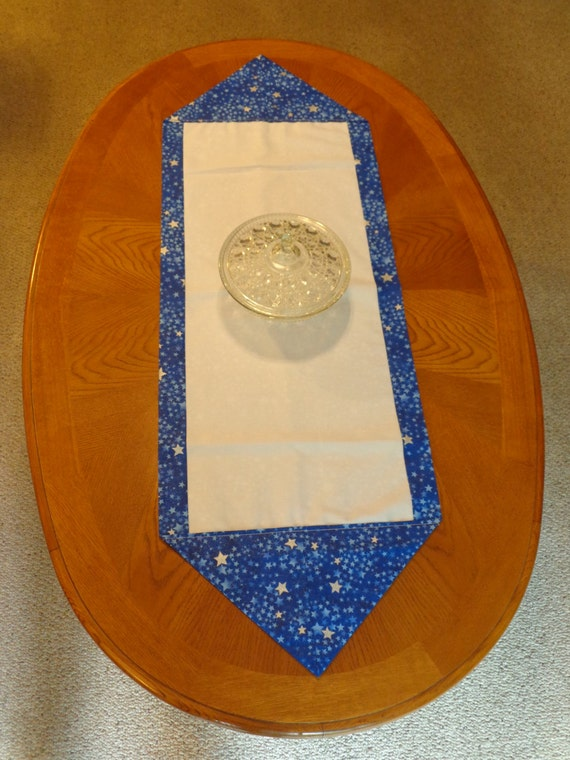 Table Runner - blue and white - stars - reversible - cloth - dining room - table linens - kitchen - home decor - READY TO SHIP