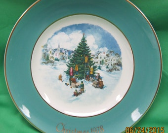 Avon 1978 Christmas Collector Plate