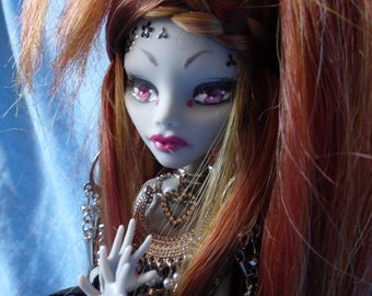 Monster High full custo Ghoulia Rock