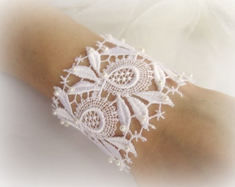 Lace cuff bracelet, floral lace bracelet, lace bridal bracelet, embroidered lace bracelet, bridesmaid bracelet, white, ivory lace bracelet