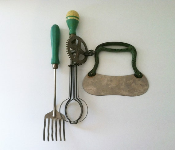 Green Handled Kitchen Utensils Vintage Egg Beater Serving