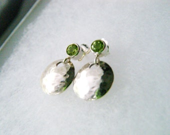 Peridot jewelry Genuine peridot earrings Peridot studs Sterling silver hammered disc earrings August birthstone Peridot dangle earrings