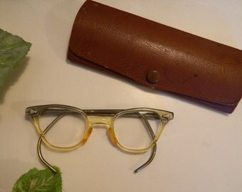 Vintage Mid Century Horn Rim Young Girl's Glasses With Case