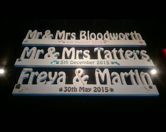 Beautiful personalised Mr and Mrs top table sign (YOUR SURNAME)