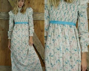 70s GUNNE SAX DRESS White Floral Maxi Dress Victorian Boho Festival Long Sleeved High Neck Baby Blue Bow at Waist Wedding Dress Small