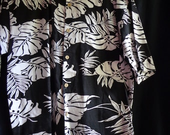 Vintage shirt Hawaiian style  cotton black and white leaves.
