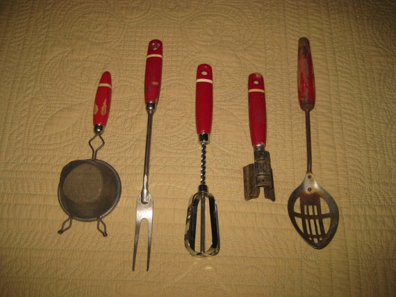 5 Piece Vintage Red Handled Kitchen Utensils Strainer Meat