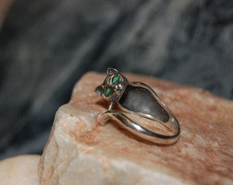 Vintage Sterling Silver Green Stone Eyed Kitty Cat Climbing Wrap Around Tail Ring 925