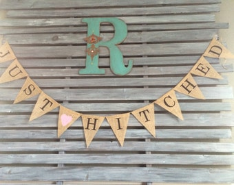 Just Hitched Burlap Banner, Just Hitched Banner, Just Hitched Sign, Wedding Burlap, Photo Prop for Wedding, Wedding Pictures