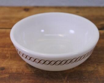 """Vintage Pyrex Regency Tableware 5 1/2"""" Bowl"""