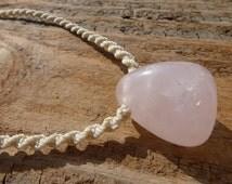 Chunky Rose Quartz Choker Pendant / Macramé Pink Stone Necklace / Scarlett O'Connor Nashville Necklace