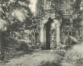 Antique Postcard - Les Ruines d'Angkor