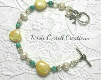 Turquoise and yellow shell bracelet, Yellow shell bracelet, summer shell bracelet, Turquoise shell bracelet, pearl bracelet, summer bracelet
