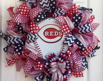 Baseball Red & White Deco Mesh Sports Wreath With Authentic MLB Cincinnati Reds Sign