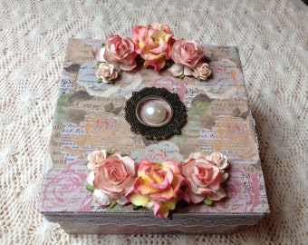 Hand Decorated Gift Box-Floral Text-5 in.