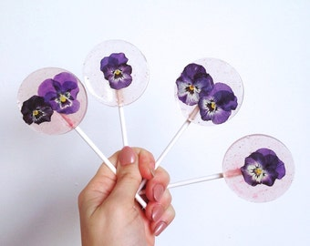 Flower Lollipop Wedding Favours (purple)