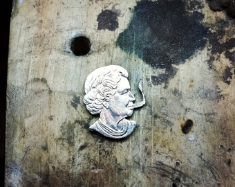Queen Elizabeth Coin Cutout