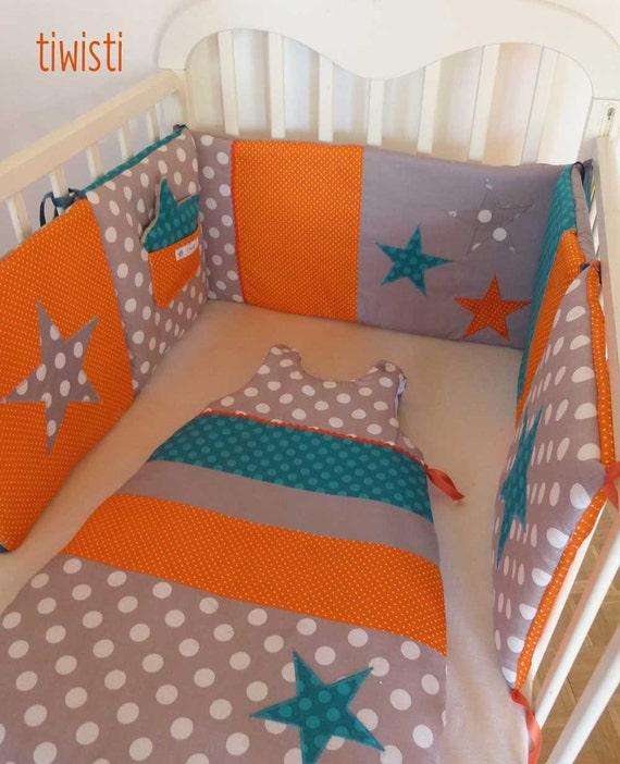 ensemble tour de lit coussin et gigoteuse 0 6 mois grise. Black Bedroom Furniture Sets. Home Design Ideas