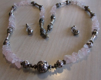 Rose Quartz Chips and Silver Plated Bead Necklace