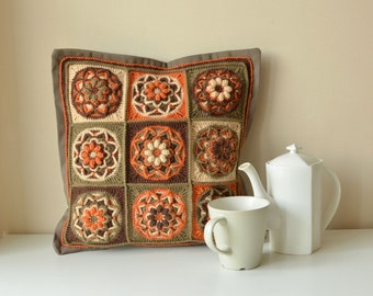 PATTERN - Crocheted pillow with lotus flower - granny square motif - overlay crochet cushion - instant download