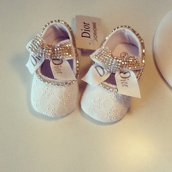 Handimade baby girl shoe and headband set Baptism set Dior