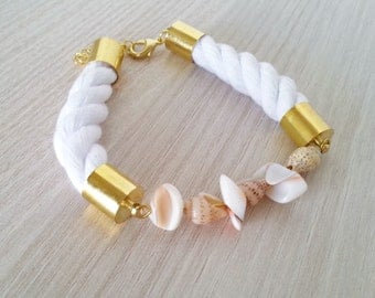 Cotton rope bracelet with shells, Natural shells bracelet, White bracelet with shells, White rope bracelet, Summer bracelet, Shell bracelet
